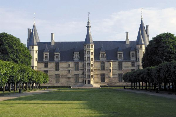 Palacio Ducal, Nevers, Nivernais